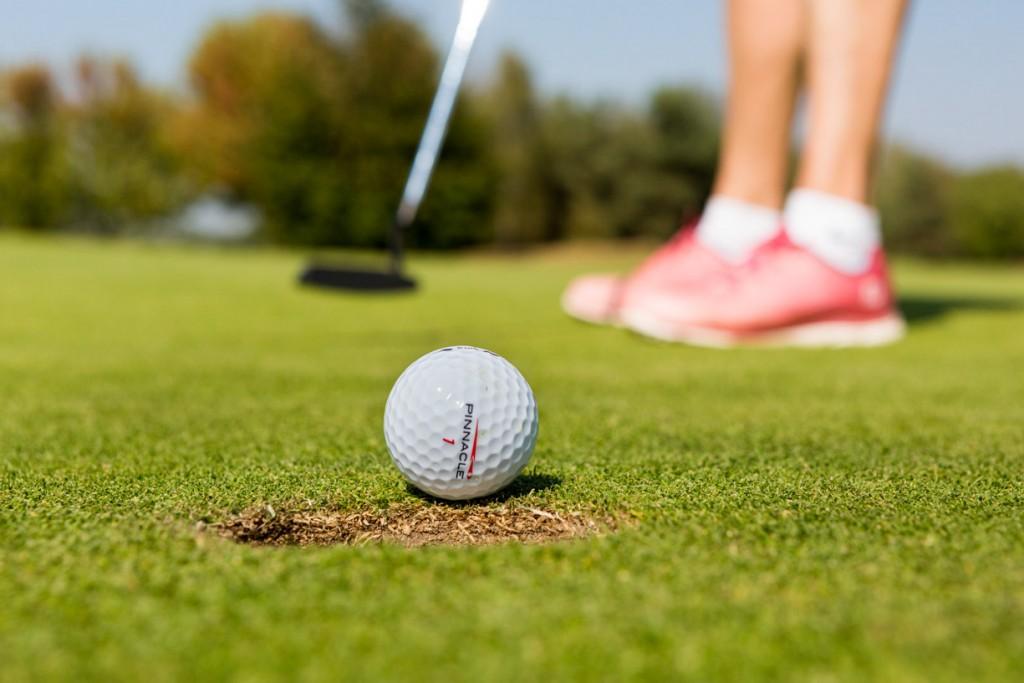 Fotoreportage van een zakelijk uitje op een golfbaan in Noord Brabant