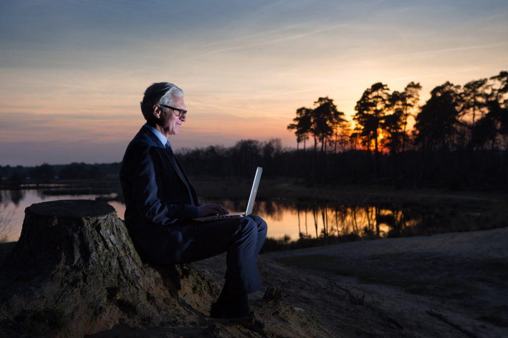 Zakelijk portret met laptop.